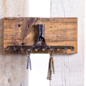 Wieszak na klucze ze starych grabi Square Upcycling