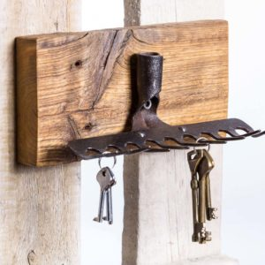 Garden rakes key holder with old pine base Square Upcycling