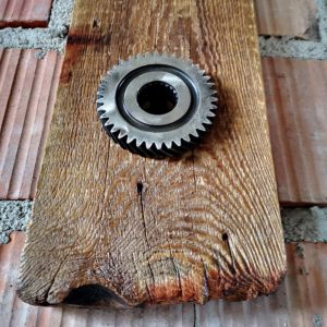 Wooden wall clock made of recycled old wood and part of gearbox modern design Square Upcycling