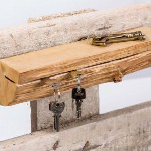 Schluesselbrett aus Holz rustikal minimalistisch Schluesselhaken Square Upcycling