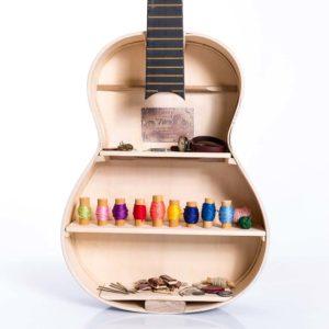 Wisząca półka na drobiazgi z gitary akustycznej Square Upcycling