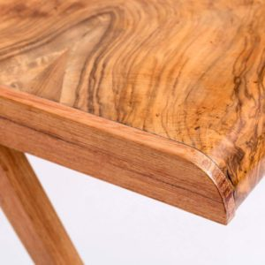 Stylowy stolik-sekretarzyk z fragmentu dużej drewnianej szafy Square Upcycling