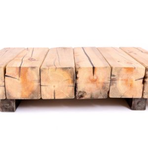 Couchtisch aus recycelten Holzbohlen mit Stahlgestell Square Upcycling