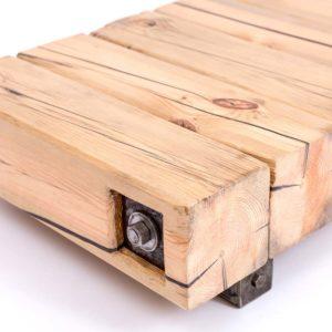 Upcyclingowy niski stolik kawowy z drewnianych bali Square Upcycling