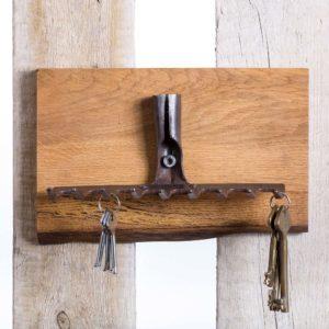 Schlüsselhaken aus altem Gartenrechen Square Upcycling