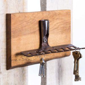 Garden rakes key holder with oak base Square Upcycling