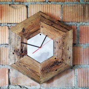 Zegar sześciokątny ze starego drewna Square Upcycling